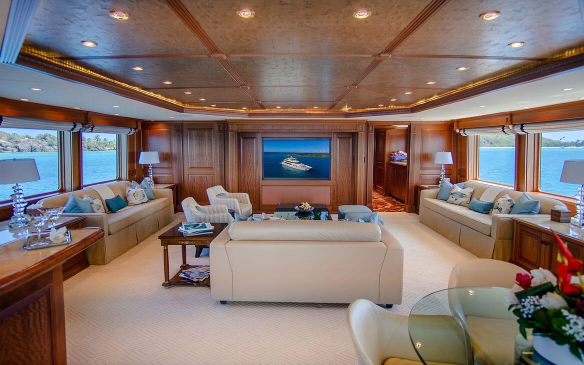 Motor Yacht PURE BLISS Upper Deck Salon / Sky Lounge
