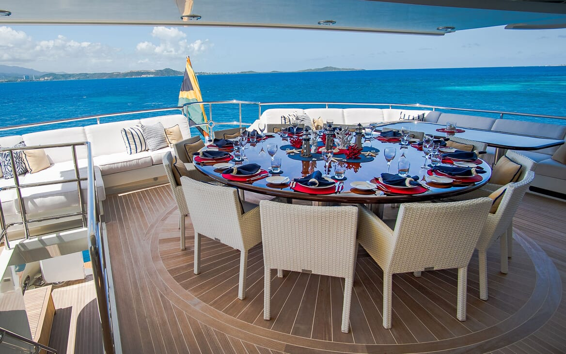 Motor Yacht PURE BLISS Upper Deck Aft Dining Table