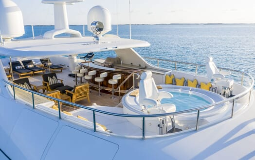 Motor Yacht PURE BLISS Upper Aft Deck Dining Table