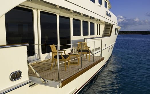 Motor Yacht PURE BLISS Sun Deck Loungers