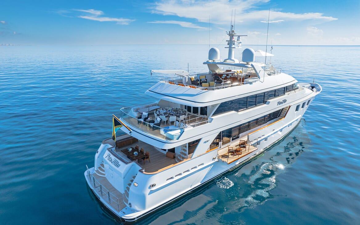 Motor Yacht PURE BLISS Exterior Aft Shot