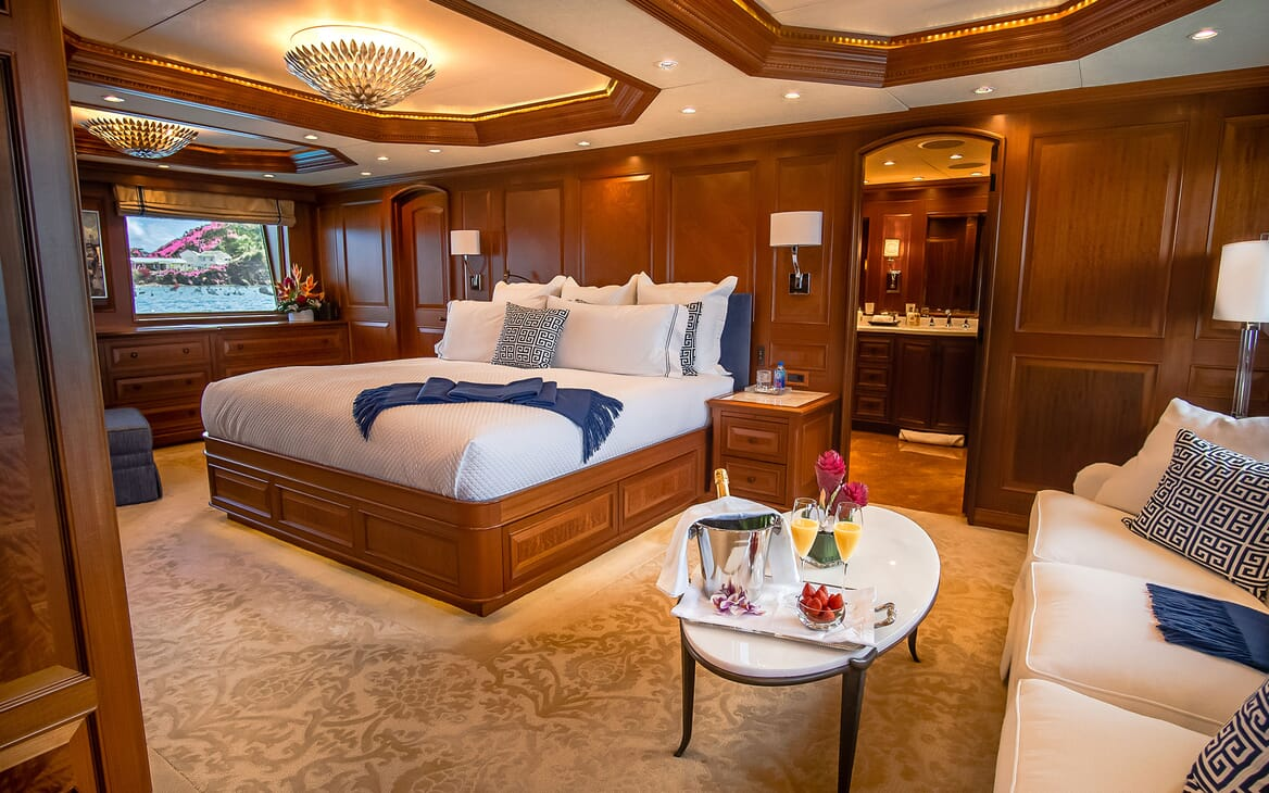 Motor Yacht PURE BLISS Master Stateroom