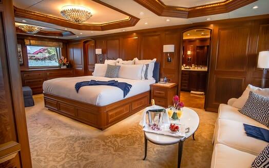 Motor Yacht PURE BLISS Master Stateroom Sofa