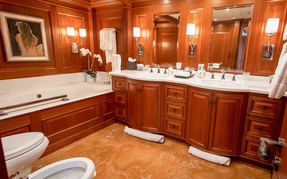 Motor Yacht PURE BLISS Master Bathroom