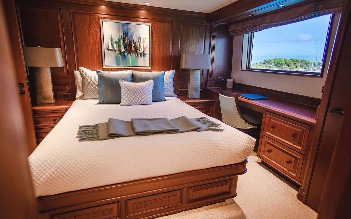Motor Yacht PURE BLISS VIP Double Stateroom