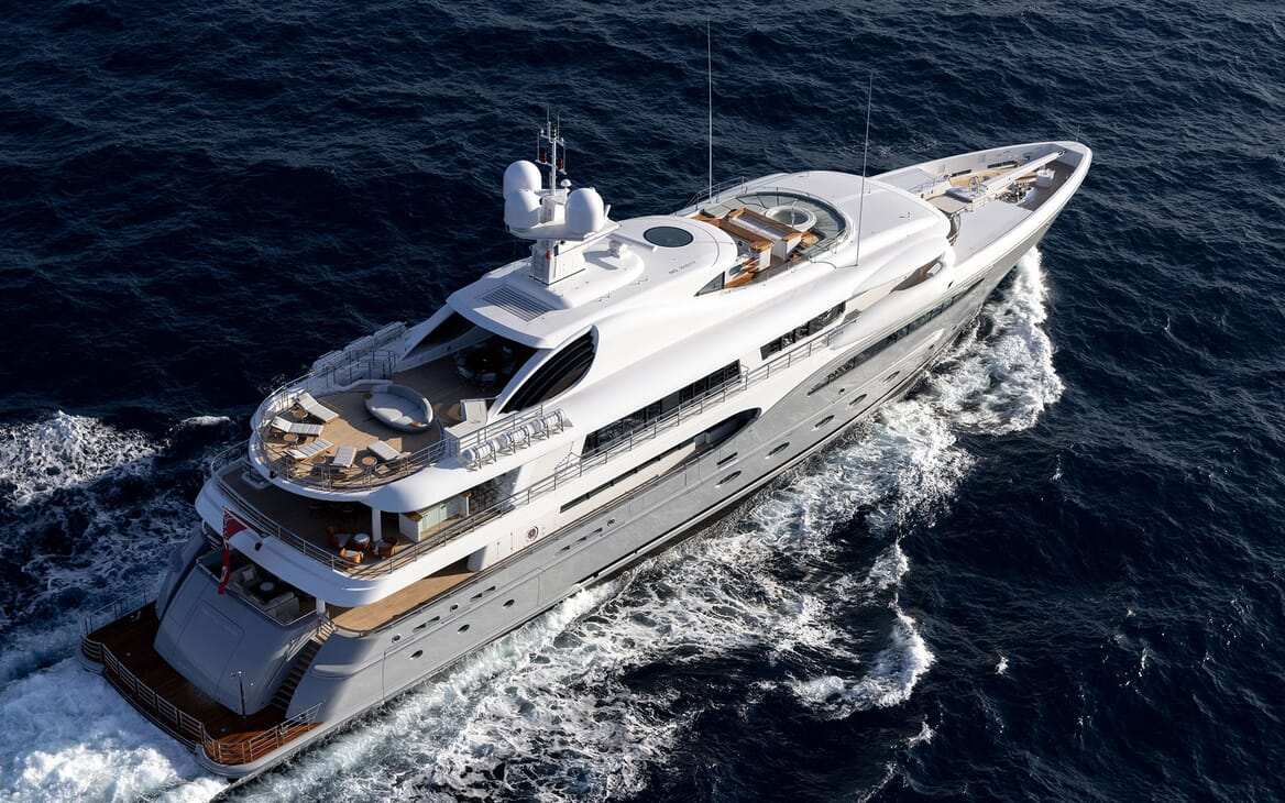 Motor Yacht VENTUM MARIS Exterior Underway