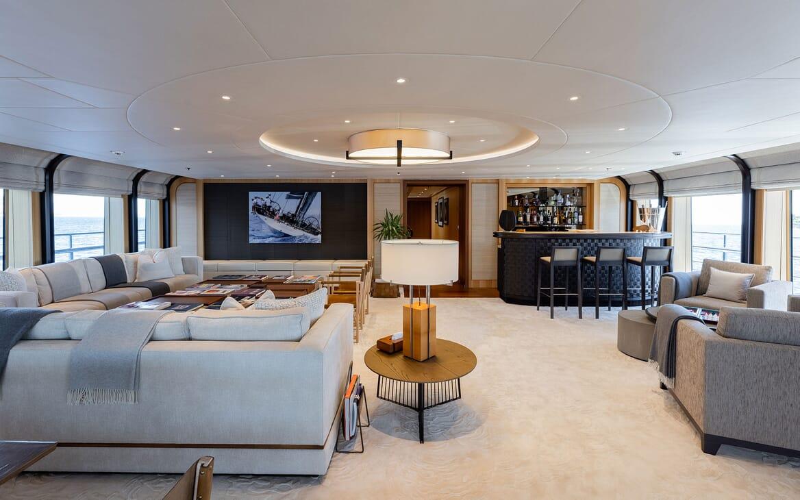 Motor Yacht VENTUM MARIS Sky Lounge