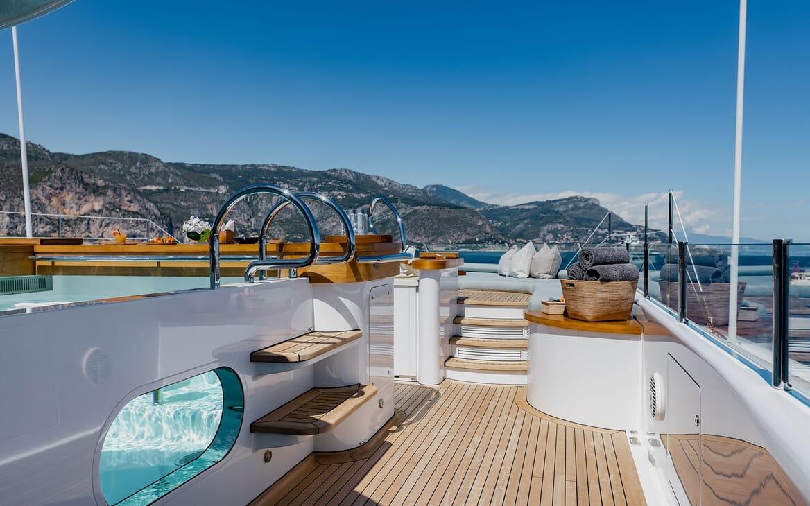 Motor Yacht VENTUM MARIS Aft Deck Jacuzzi and Views