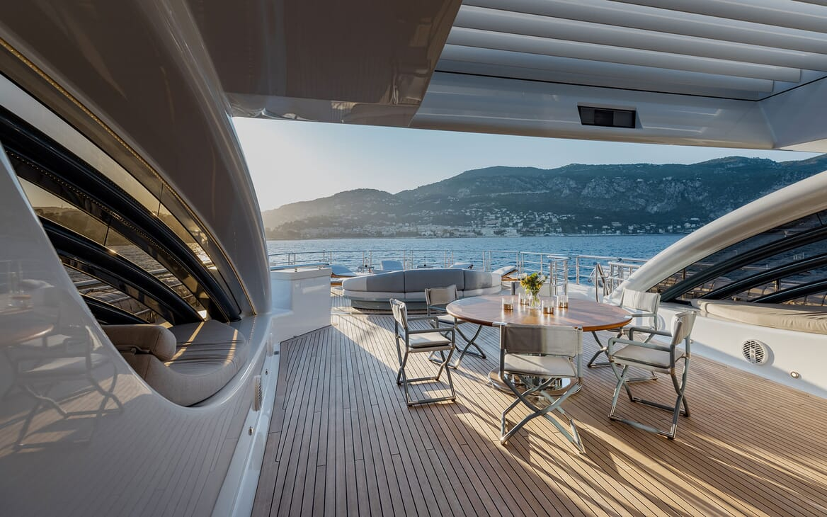 Motor Yacht VENTUM MARIS Sun Deck Aft
