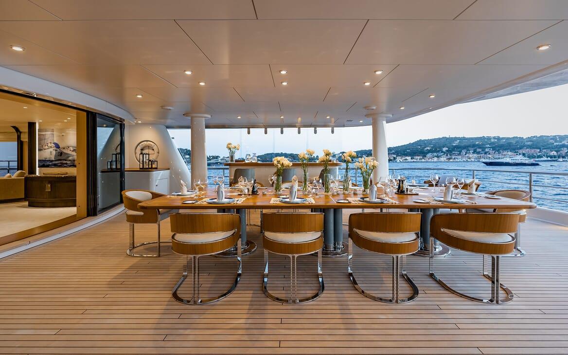 Motor Yacht VENTUM MARIS Al Fresco Dining