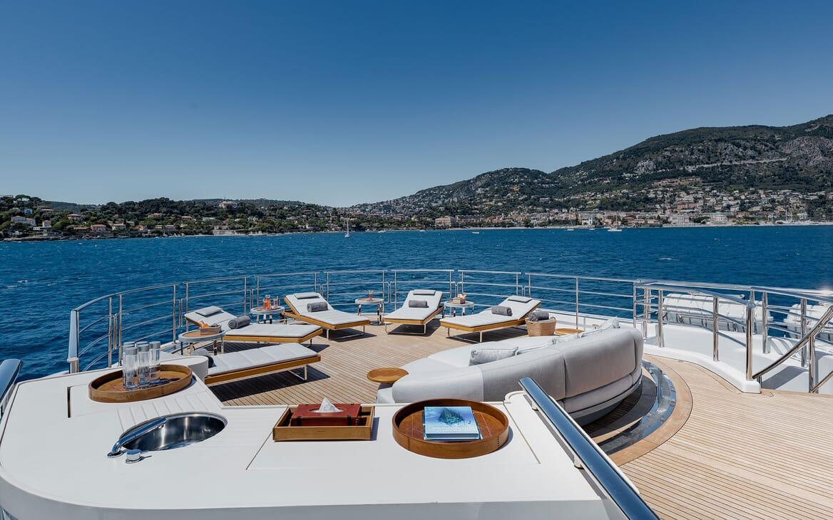 Motor Yacht VENTUM MARIS Sun Deck Sun Loungers