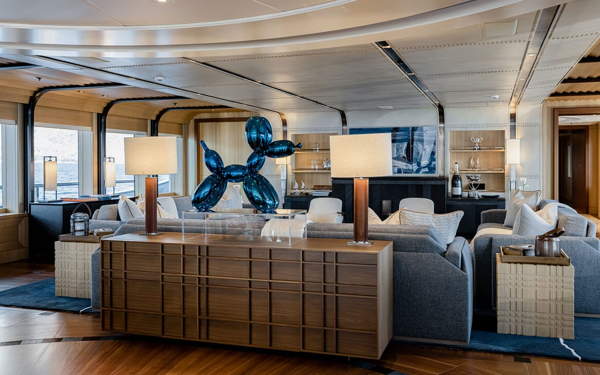 Motor Yacht VENTUM MARIS Seating