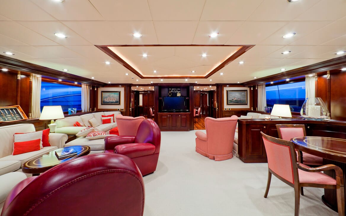 Motor Yacht SOPHIE BLUE Main Saloon