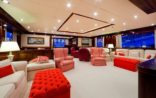 Motor Yacht SOPHIE BLUE Main Saloon Seating