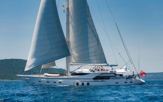 Sailing Yacht Lady Sunshine sailing