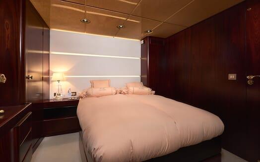 Sailing Yacht Lady Sunshine master stateroom