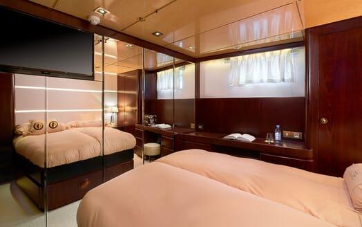 Sailing Yacht Lady Sunshine stateroom