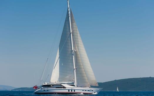 Sailing Yacht Lady Sunshine underway