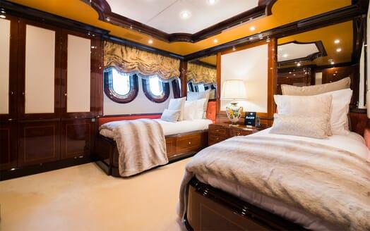 Motor Yacht Bash twin cabin