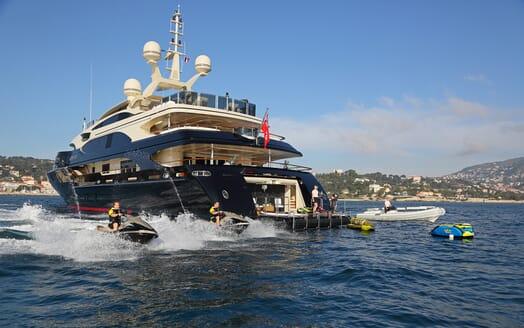 Motor Yacht Bash jetskis