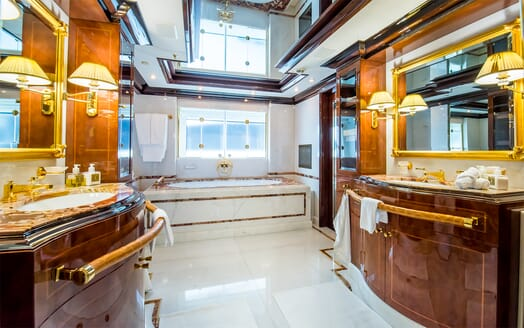 Motor Yacht Bash master bathroom