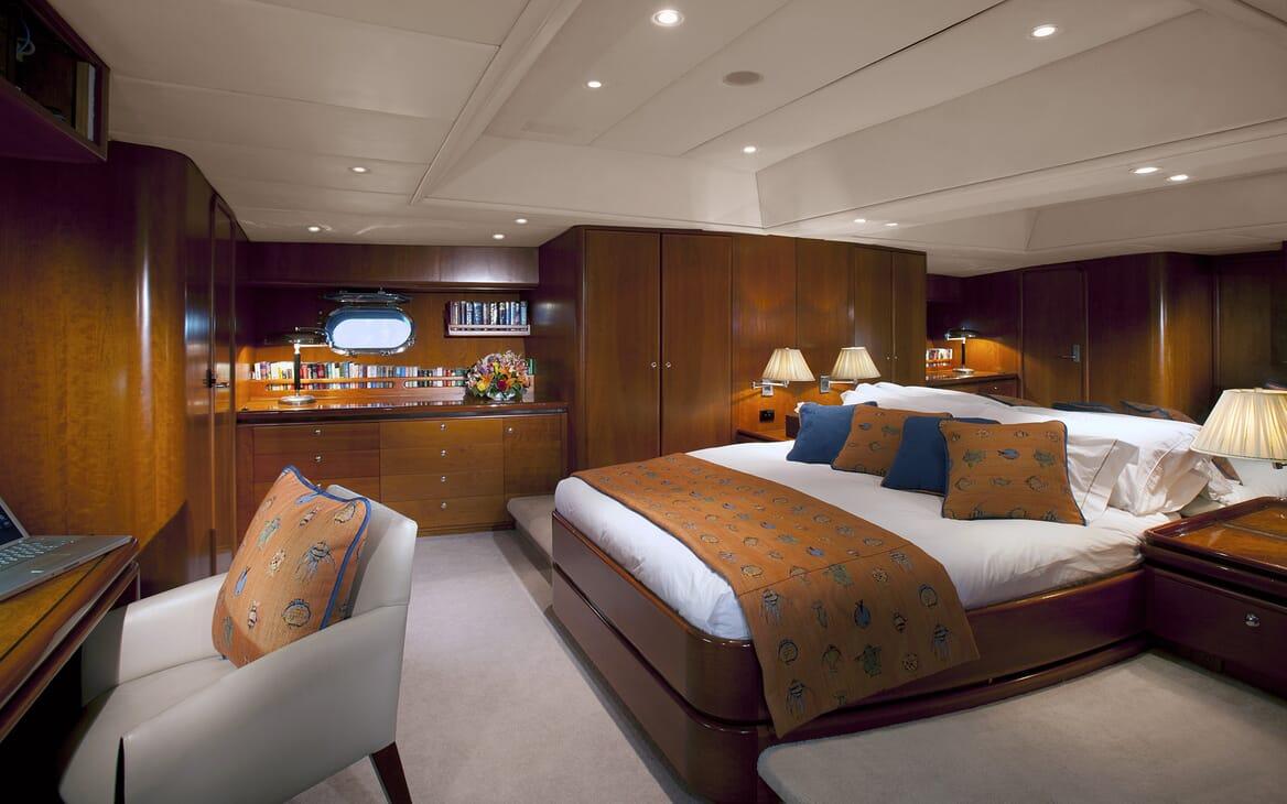 Sailing Yacht Seaquell master cabin