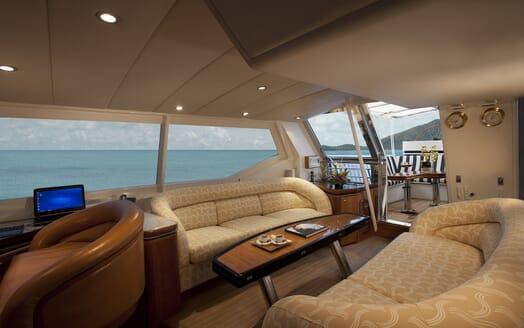 Sailing Yacht Seaquell saloon