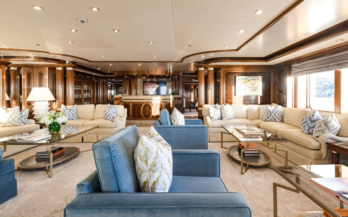 Motor Yacht Titania saloon