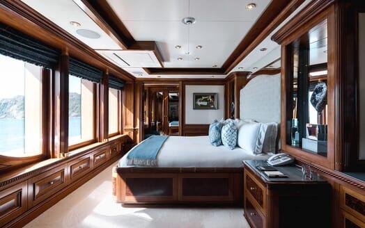 Motor Yacht Titania VIP cabin