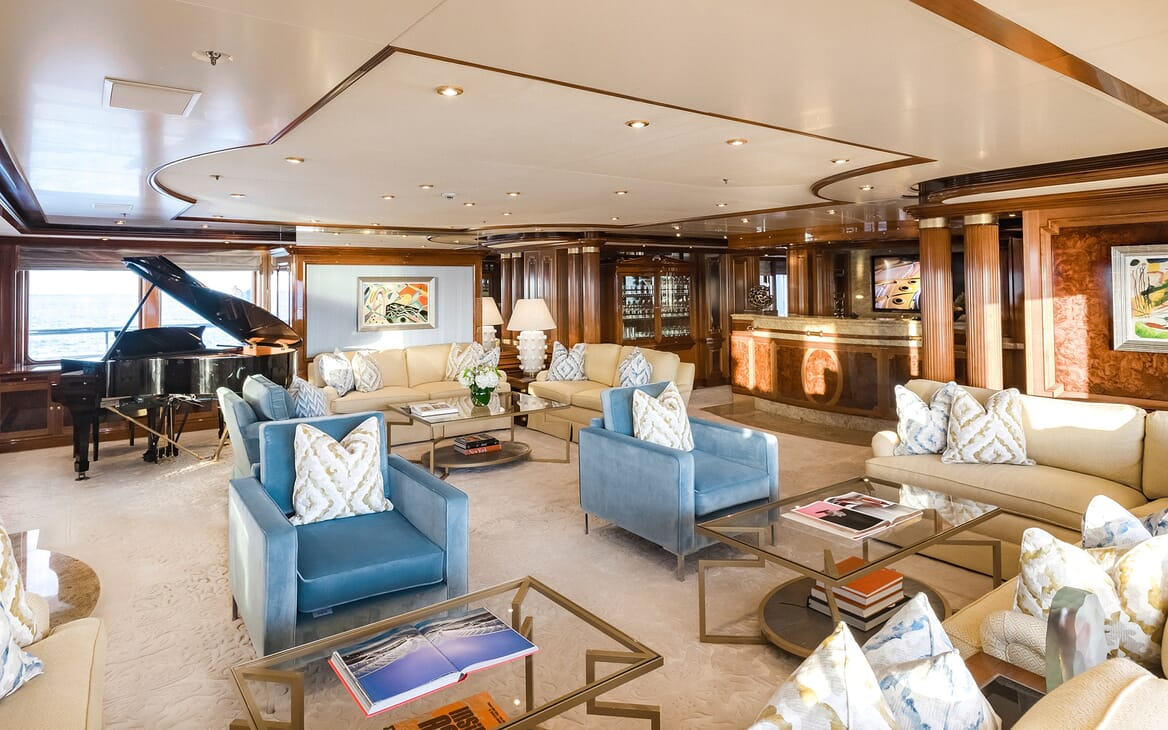 Motor Yacht Titania living area