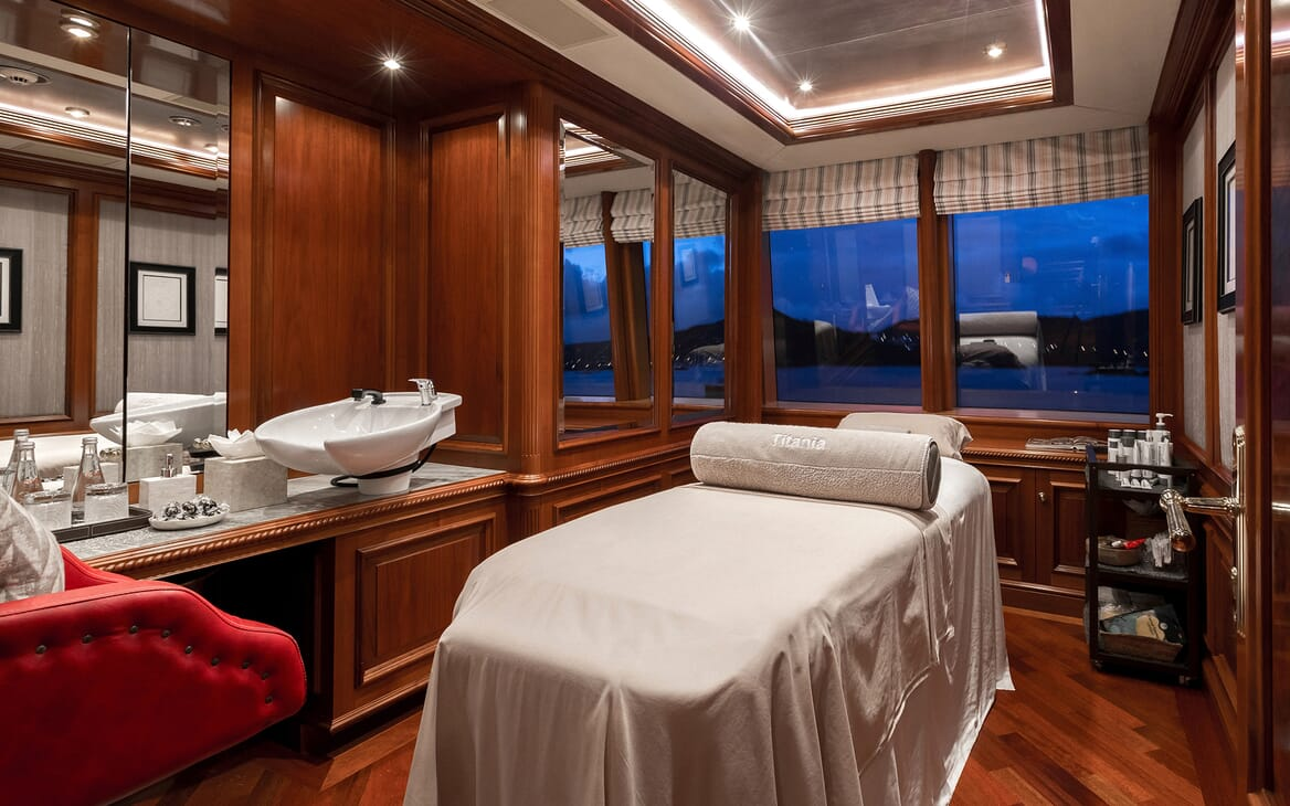 Motor Yacht Titania spa