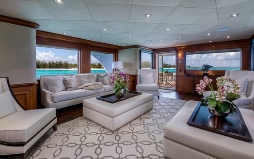 Motor Yacht M3 sky lounge