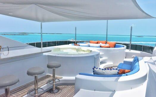 Motor Yacht M3 sun deck