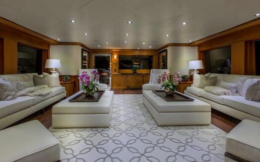 Motor Yacht M3 main saloon
