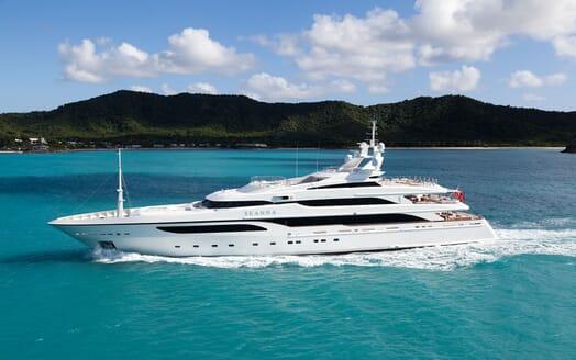 Motor Yacht SEANNA hero shot on turquoise water