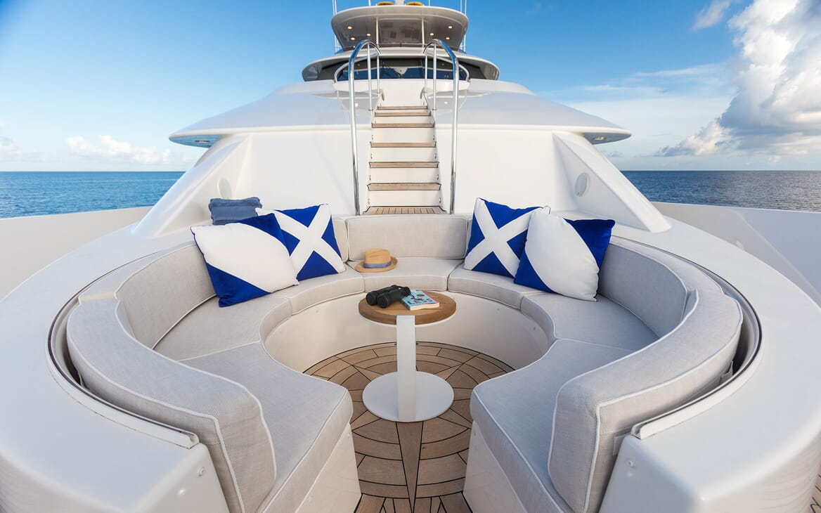 Motor Yacht ALL IN Main Bow Seating
