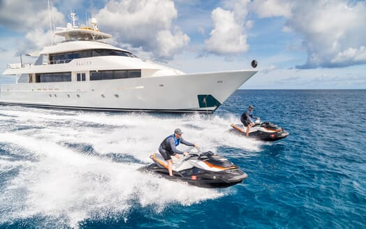 Motor Yacht ALL IN Jetskis and Profile