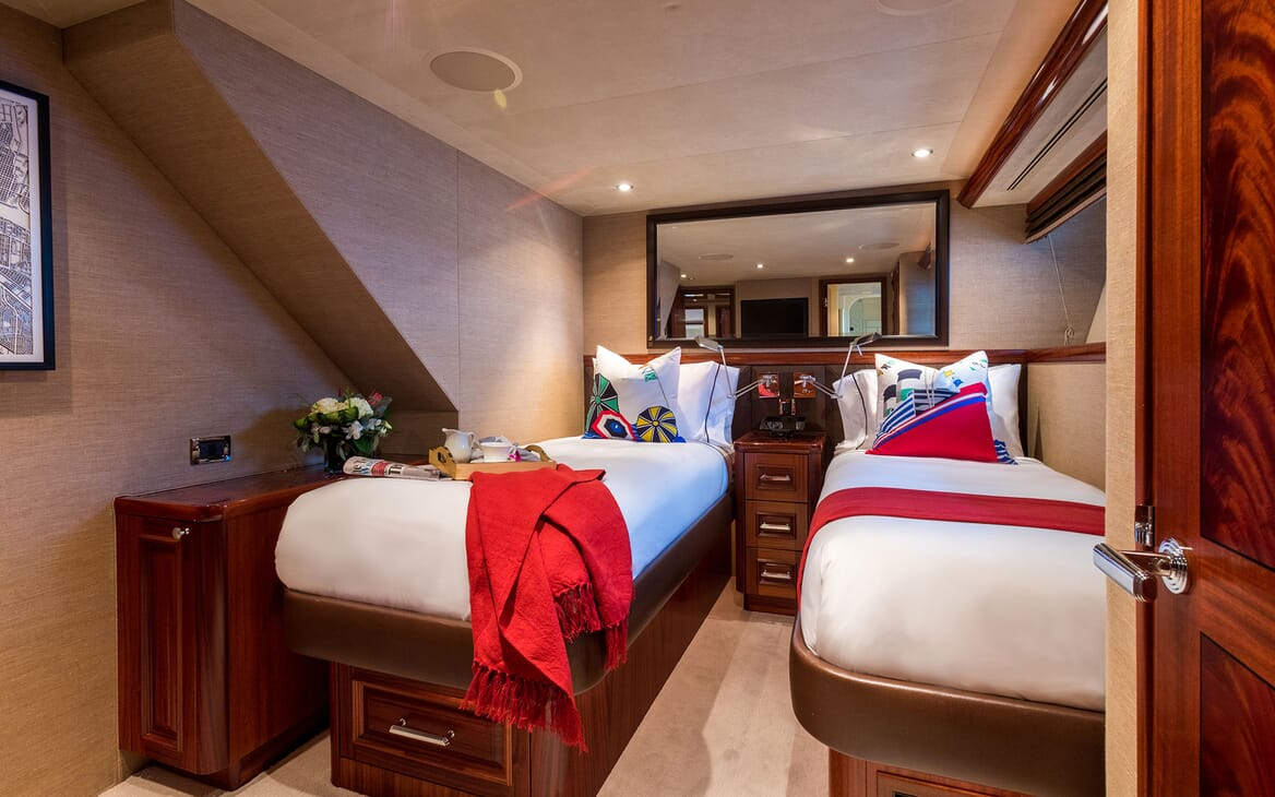 Motor Yacht ALL IN Guest Twin Stateroom