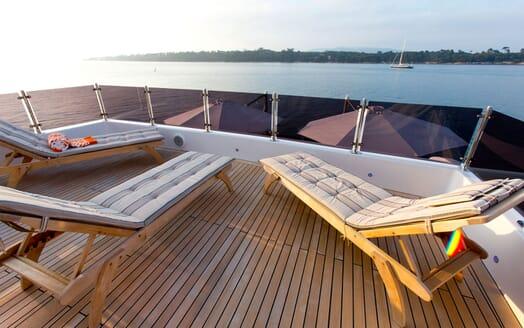 Motor Yacht MARINA WONDER Sun Deck Loungers