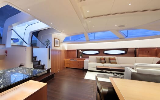 Sailing Yacht MIRASOL Main Saloon