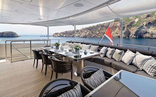 Motor Yacht BLISS Aft Dining