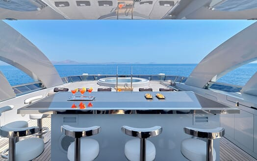 Motor Yacht BLISS Sun Deck