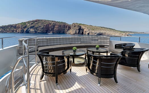 Motor Yacht BLISS Sun Deck Seating