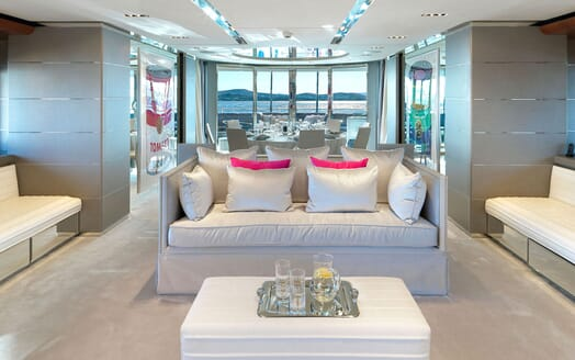 Motor Yacht BLISS Saloon