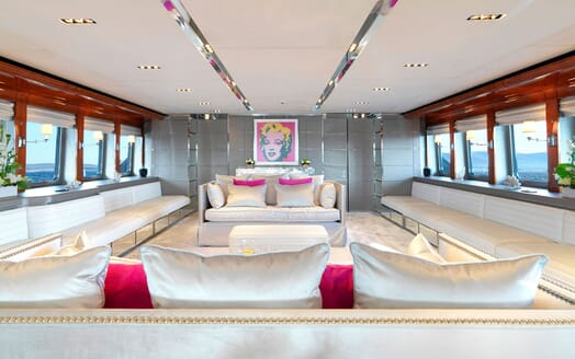 Motor Yacht BLISS Main Saloon
