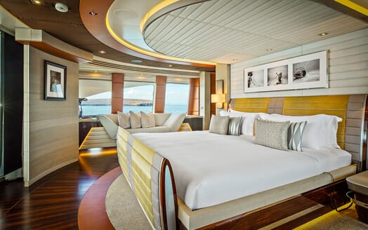 Motor Yacht ODYSSEA Master Stateroom Bed