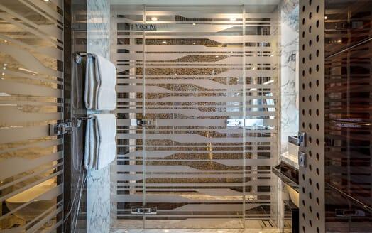 Motor Yacht ODYSSEA Shower