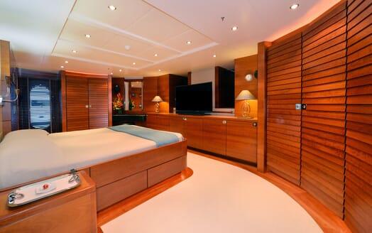 Motor Yacht Beluga VIP cabin