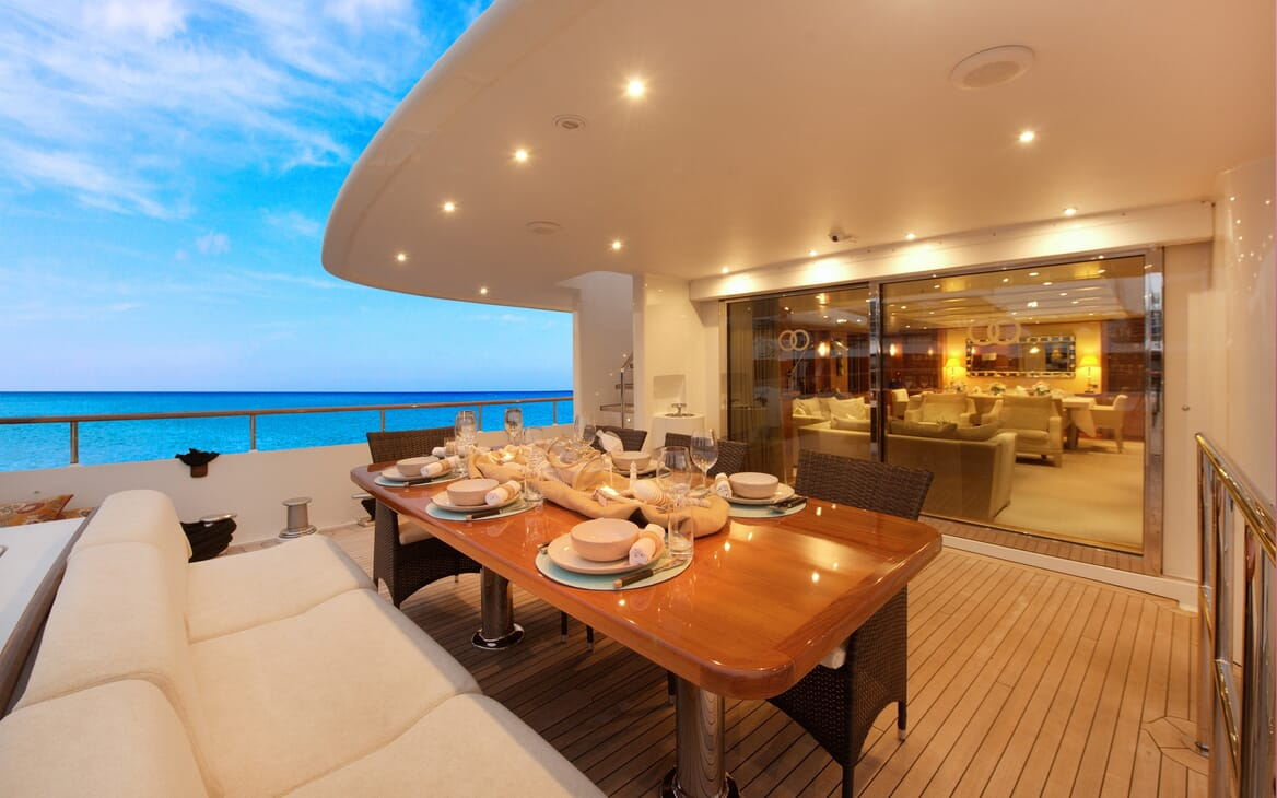 Motor Yacht Beluga outside dining area