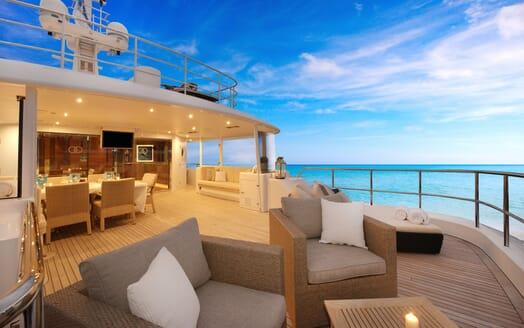 Motor Yacht Beluga sundeck